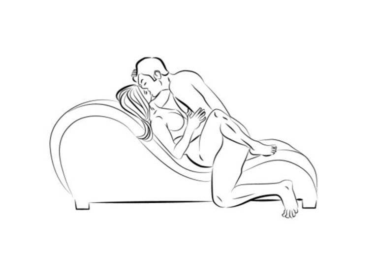 Làm tình tư thế truyền thống với ghế tình yêu cũng rất được yêu thích